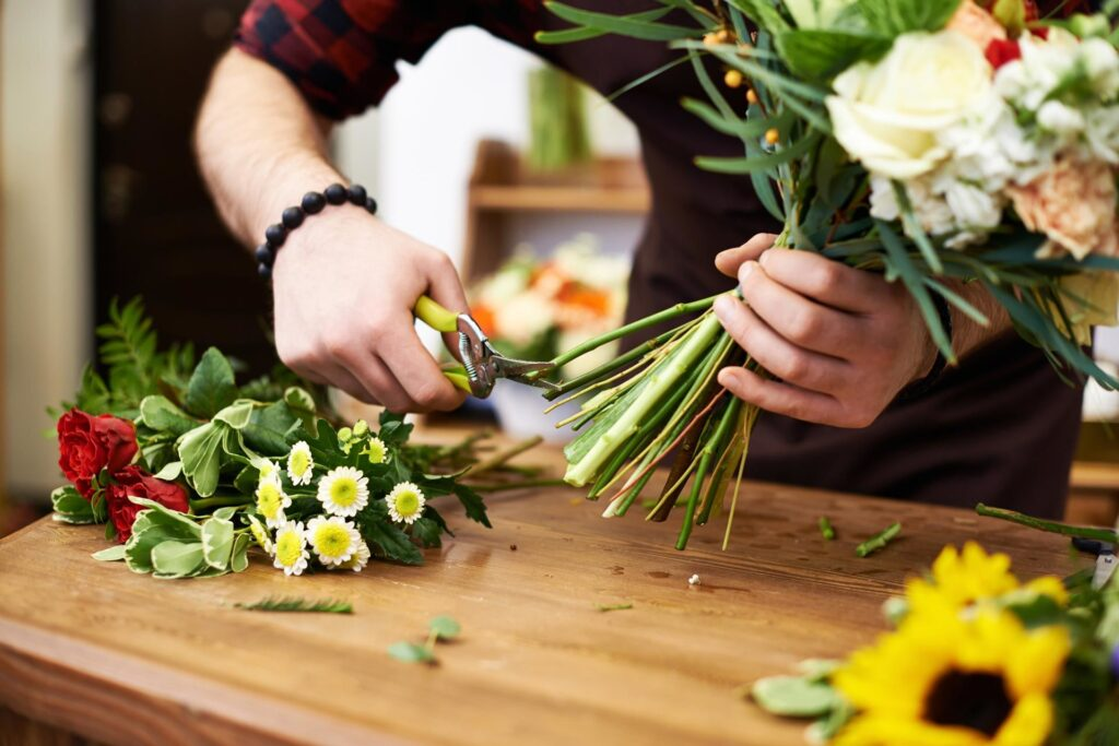 How to keep flowers in a vase longer